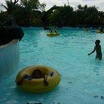 kolam renang ombak 3