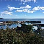 le port vue du chemin côtier