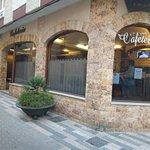 Cafetería Vivaldi, al lado del Ayuntamiento