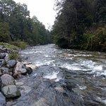 Vista desde las termas al río