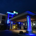 Foto de Holiday Inn Express Hotel & Suites Winchester