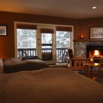 Emerald Lake Lodge - Lodge Double Room