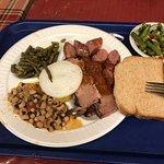 Foto de Snoga Bar-B-Cue Food To Go