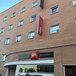 Photo de Ibis Budget Madrid Valentin Beato