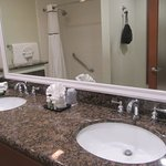 Double SInks, Bathroom, Best Western Plus Shore Cliff Lodge, Pismo Beach, CA