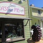 Linn's Easy as Pie Cafe, Cambria, CA