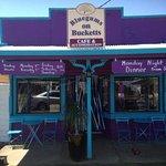 Bluegums on Bucketts
