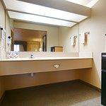 Photo of BEST WESTERN Inn & Suites Lemoore