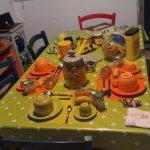 Camera e tavolo della colazione