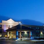 Holiday Inn Express Racine (I-94 @ Exit 333)