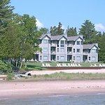 Photo de Glidden Lodge Beach Resort