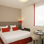 Residhome Appart Hotel Reims Centre Foto