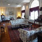 Parlor room just off the lobby at the Lambuth Inn