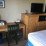 Foto de Breakers Hotel and Condo Suites