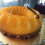 mousse di vaniglia con biscotto croccante e albicocca