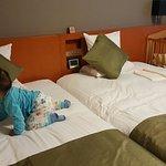 兩小床附加一嬰兒床