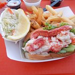Lobster roll, fries & cole slaw