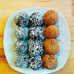 Gluten ree, sugar free vegan chocolate balls