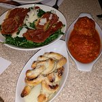 Antipasti - Garlic bread, meatballs and insalata di parma