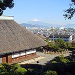 本堂より富士山に望む