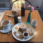 Photo de Cafe Caesar