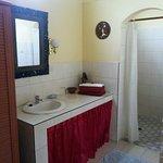 La salle de bain dans notre bungalow