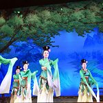 Spring Outing Dance at the Tang Dynasty Song and Dace Show