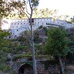 Monastère vu du sentier de randonnée