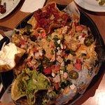 Nachos with chicken and guacamole