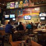 Farley's Food & Fun Pub resmi