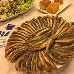 Taptaze Karadeniz hamsisi. Mısır ekmeği ve salata. Afiyet olsun.