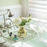Foto de The White Doe Inn Bed & Breakfast