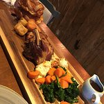 Fantastic Sunday sharing roast, great atmosphere, good service Can't wait to return.