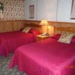 Seneca KS Starlite Motel Room