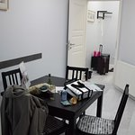 Spacious room with dining Table