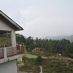 Photo de Trishul Orchard Resort