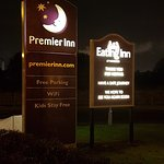 Photo de Premier Inn Warrington Centre Hotel