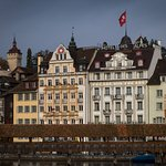 Picture of Hotel Des Alpes from across River Reuss.