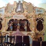 Nisco Museum antique musical instruments