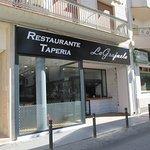 Restaurante Tapería La Grajuela, en su nueva ubicación (da a la Plaza de España).