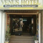 Entrance to Venus Hotel is easy Noticeable from the street...easy to find.