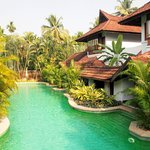 Duplex villas with direct access to meandering pool