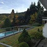 Blick auf den Freiluft Pool mit direktem Zugang