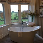 Posh bath tub!
