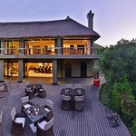 Eagles Crag Lodge at Shamwari Game Reserve