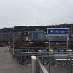 Blick vom Steg auf den Meierhof