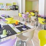 Salle petit déjeuner et buffet