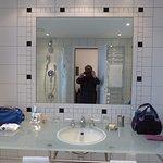place XXL sur le lavabo