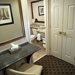 2 Queen Select Bath and Vanity Area