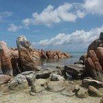 l'isolotto con le rocce